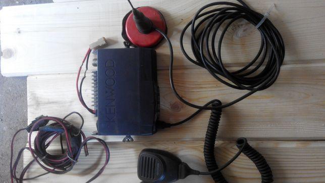 Продам или обменяю на набор ключей автомобильную рацию KENWOOD