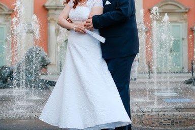 śliczna koronkowa suknia z salonu Agnes 40/42/44 gorset