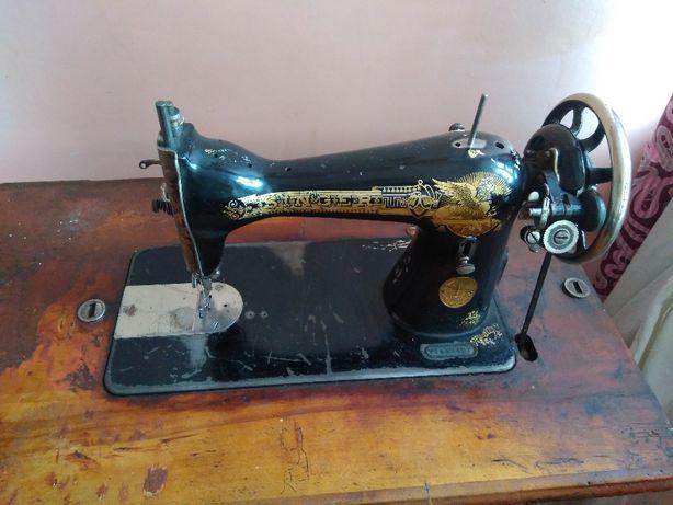 Швейна машинка SINGER