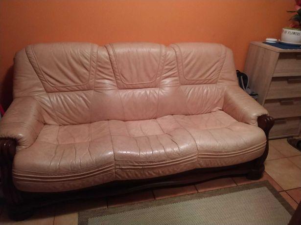 Skórzana kanapa.
