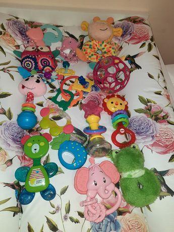 Zabawki grzechotki dla malucha
