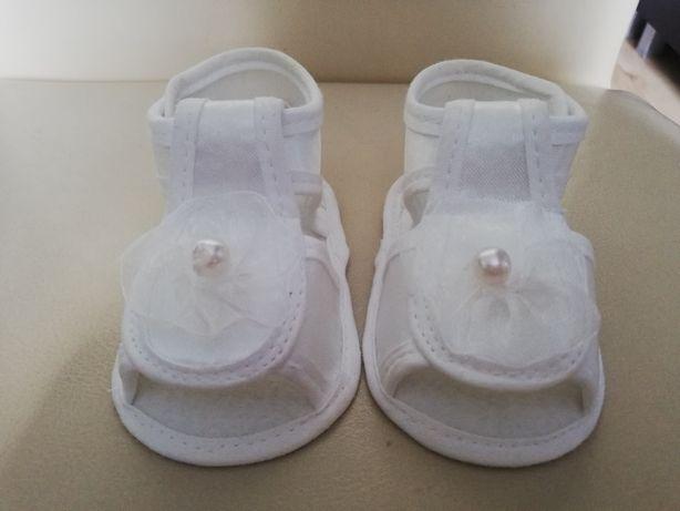 Buciki niemowlęce do chrztu rozmiar 10