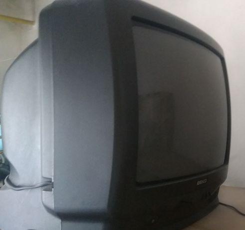 Telewizor BECO 14 cali