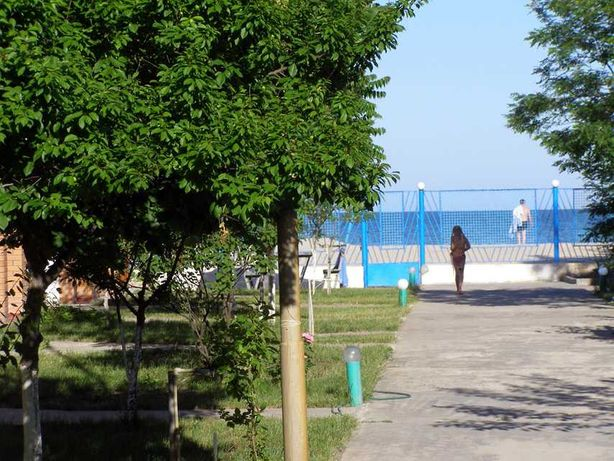 Действующая база отдыха. Первая линия Черное море
