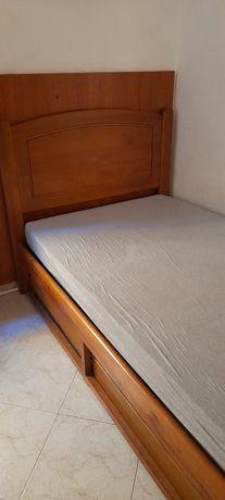 Cama solteiro com estrados e gavetas
