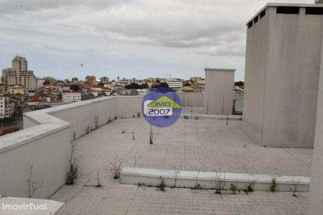 T2 com terraço em São João da Madeira
