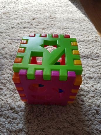 PLASTIKOWA KOSTKA edukacyjna sorter klocki kształty, zabawki