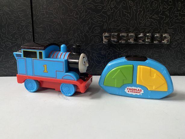 Паровоз поезд Томас Thomas на пульте радиоуправлении
