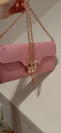 Różowa kopertówka torebka