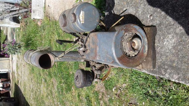 Motor de 2 polgadas marca Pachencho 115 a petróleo ou a gasolina