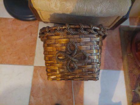vendo cesto de sala em madeira
