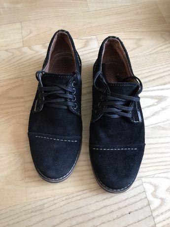 Продам шкіряні туфлі для хлопчика