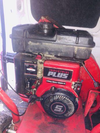 Silnik BRIGGS industrial PLUS 5 hp części
