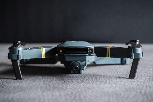 Drone NOVO, 3 baterias e mala de transporte