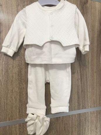 Святковий костюм для новонародженого