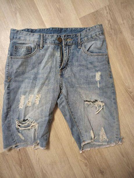 Мужские шорты бриджи размер м рваные с потертостями