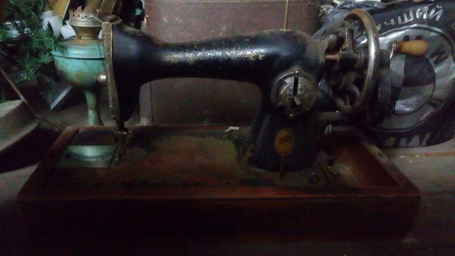 Продам ручную швейную машинку ПМЗ