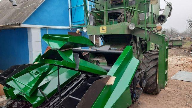 Жатка 3 трех рядная кукурузная John Deere Джон Дир КМС-3