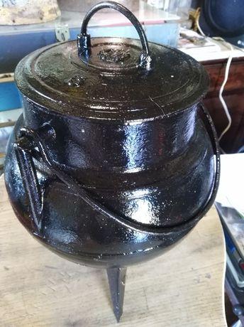 Panela antiga em ferro