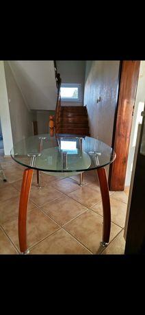 Stół ze szklanym blatem