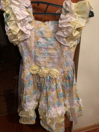 Плаття гарненьке недорого 3-6 вік на дівчинку
