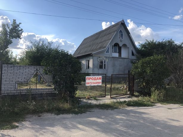 Продаю дім  у смт Маньківка