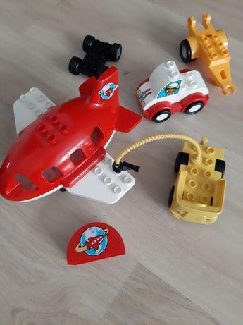 Lego Duplo samolot auta