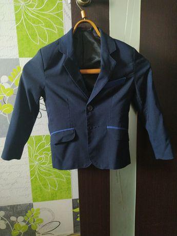 Продам пиджак и рубашку на мальчика