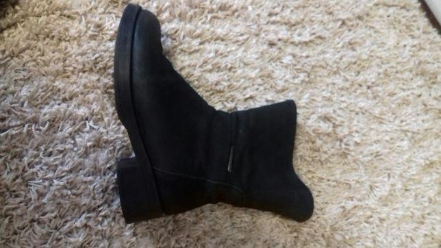 Продам ботинки р.38 в хорошем состоянии