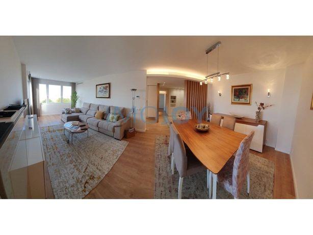 Apartamento T2 com Vista Mar em Cascais