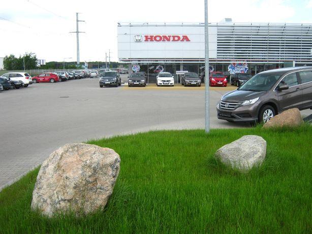 Głazy Kamienie na parkingi. Ochrona terenów zielonych przed AUTAMI.