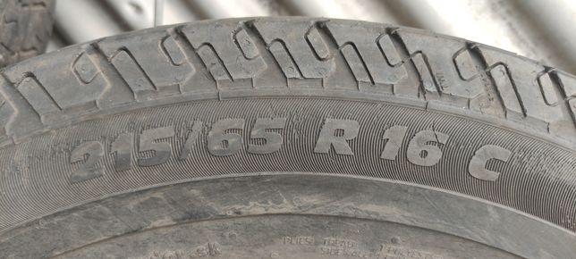 Продам 4 колеса 215/65 16 С