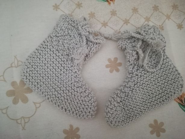 Botinha de lã feito à mão
