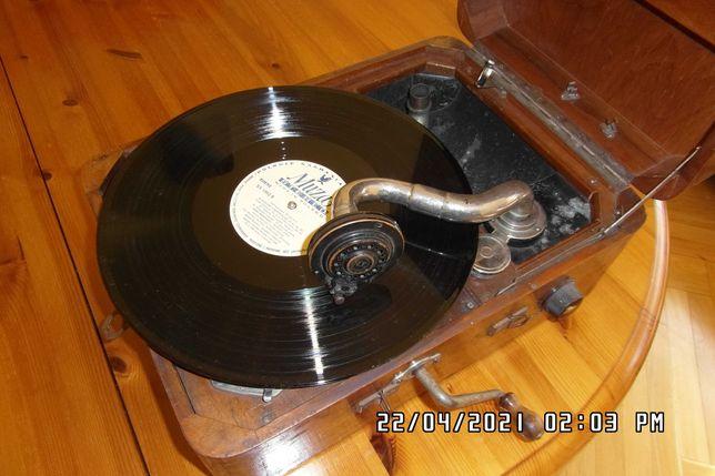 Gramofon antyk- Producent Szwajcaria