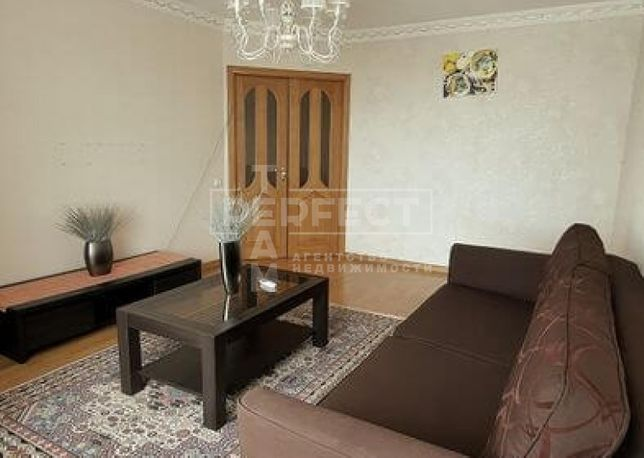Демеевская Продам 4к.квартиру проспект Лобановского 126