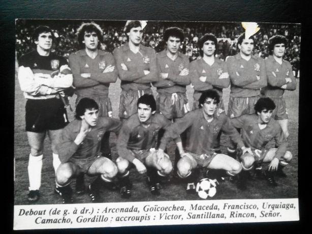 Piłka nożna Drużyny:Hiszpania,KoreaPłd.,Paragwaj,Kanada.85-86r. 30 zł