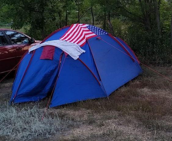 Продам 3-х местную палатку с матрасом надувным