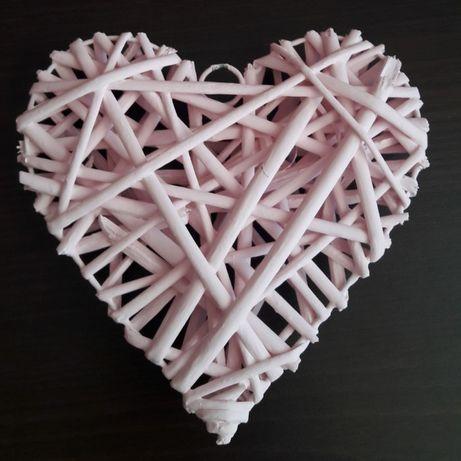 Wiklinowe serca w kolorze pudrowy róż 19cmx18cm