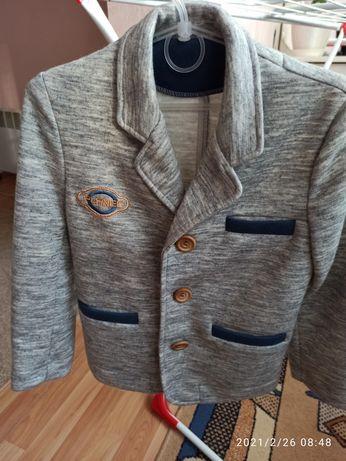 Пиджак для мальчика. Піджак.