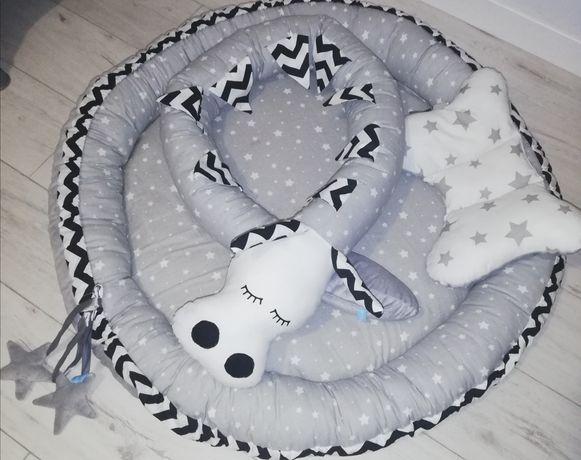Kokon niemowlęcy z poduszką i ochraniaczem