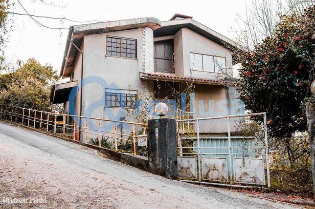 Moradia T5 c/ áreas amplas em Vila fria, Aveiro, Excelentes condições