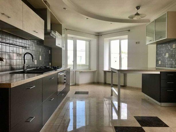 Продаж дворівневої квартири з гаражем в районі РЦ «Промінь»!