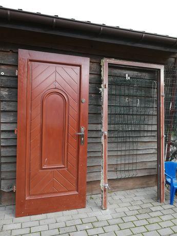 Drzwi drewniane modrzew