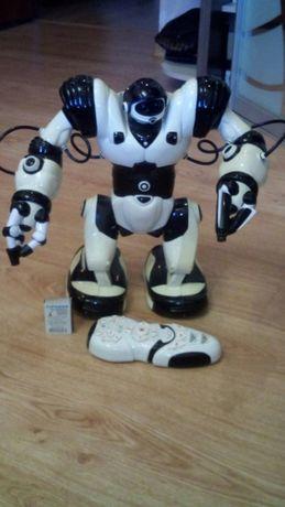 Робот из Фиксиков WowWee Робосапиен Robosapien (W8081N)