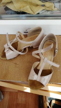 Тренеровочные туфли