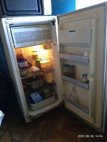 Продам холодильник Донбасс-2