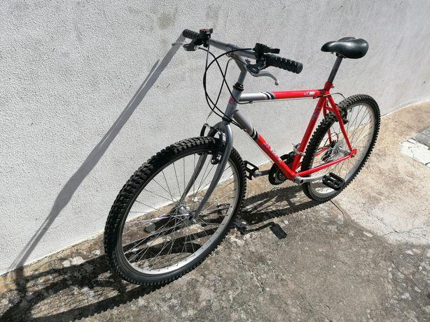 Bicicleta roda 26 quase como nova