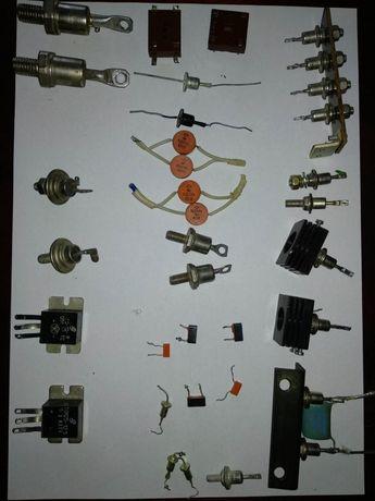 Транзисторы, диоды, сборки, стабилитроны, тиристоры, оптроны, СССР.