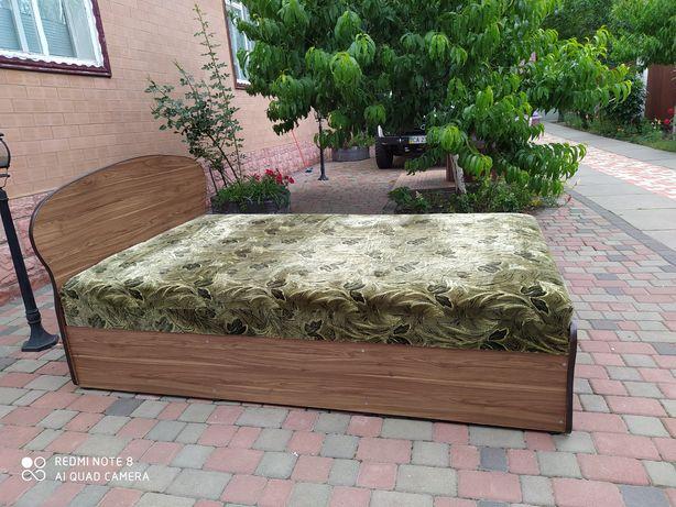 Продаєть нова двух спальня кровать.