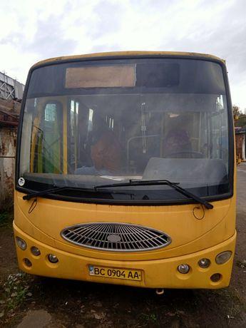 Автобус YOUYI на ходу